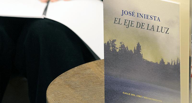 José Iniesta nos lleva a su yo íntimo con `El eje de la luz´