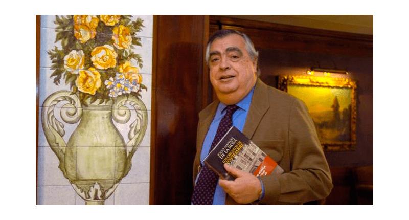El escritor sevillano Julio M. de la Rosa muere en Sevilla