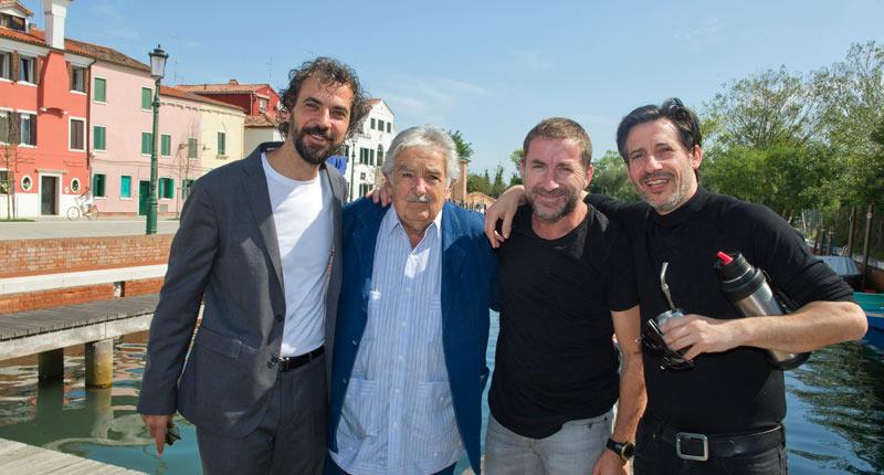 El equipo de 'La noche de 12 años' se reúne con José Mujica