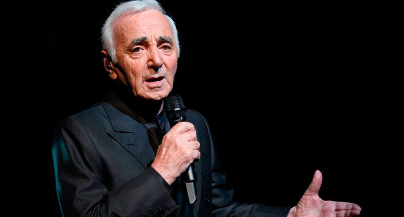 Muere Charles Aznavour, qué tristeza sin fin…