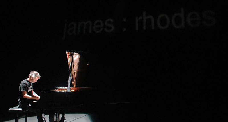 James Rhodes aprueba con nota en Sevilla