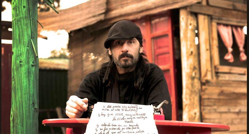 """Miguel Campello: """"Me apetecía darles otras formas a canciones que están tan dentro que puedes cantarlas de mil maneras"""""""
