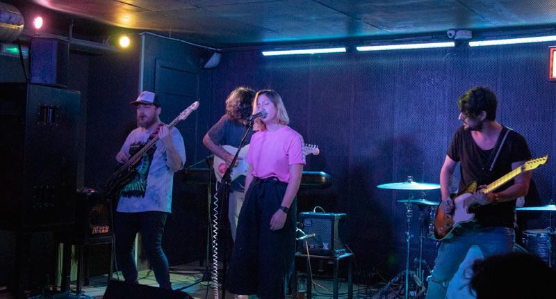 Borneo y Penny Necklace se citan en la FunClub de Sevilla