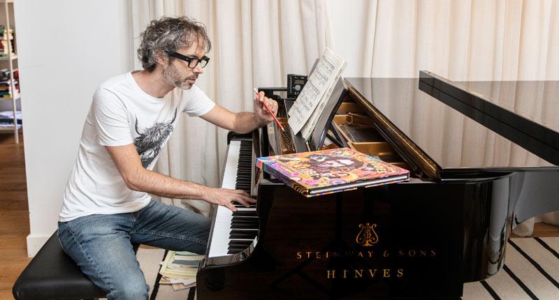 James Rhodes te cuenta la música como nunca en su nuevo libro