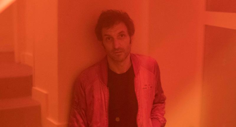 Julián Villagrán lanza el primer single de Asunción, su nuevo proyecto musical