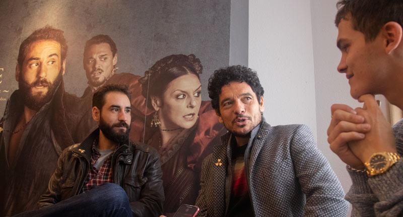 Pablo Molinero, Sergio Castellanos y Jesús Carroza continúan su andadura en 'La peste' y se enfrentan a La Garduña