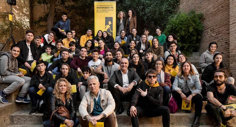 Perfopoesía propone festejar en las redes el Día Mundial de la Poesía