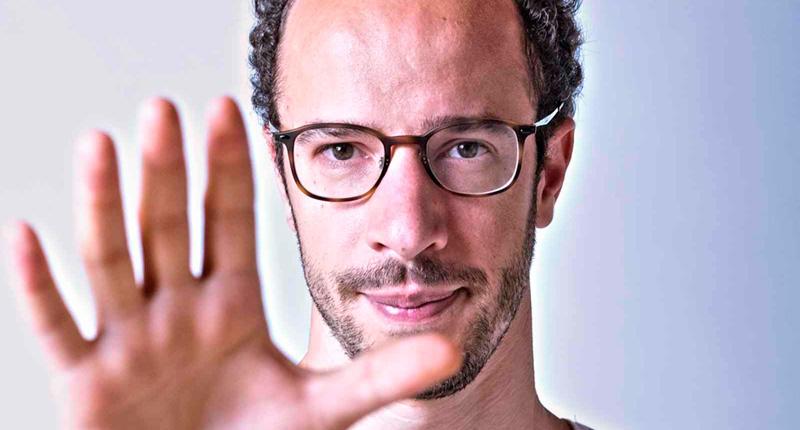 El pianista y compositor Júlio Resende se dedica exclusivamente al desarrollo de su carrera en solitario