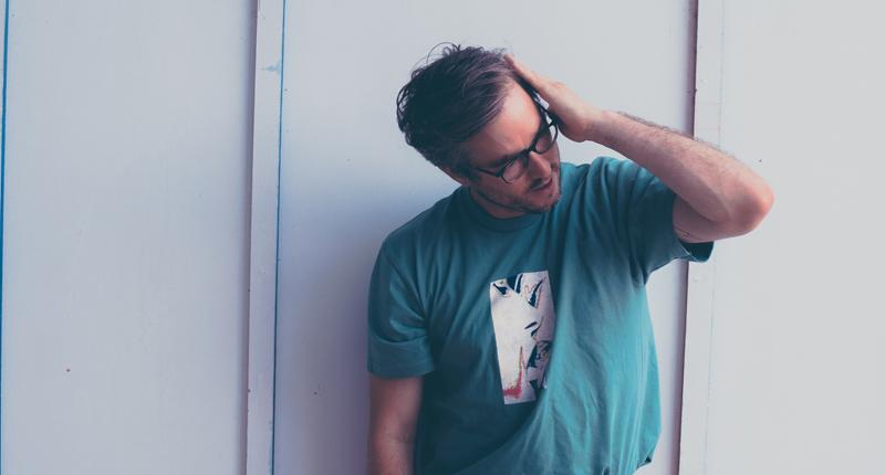 """Matt Kivel: """"Sentí la necesidad de irme por un camino de paisajes sonoros minimalistas y transmitir lo que buscaba expresar"""""""