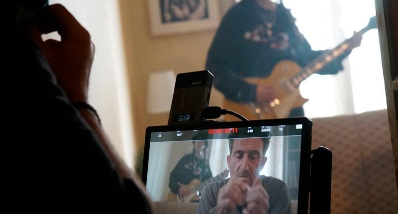 Agoraphobia homenajea a los técnicos del directo en el videoclip de 'Inglorious Mind'