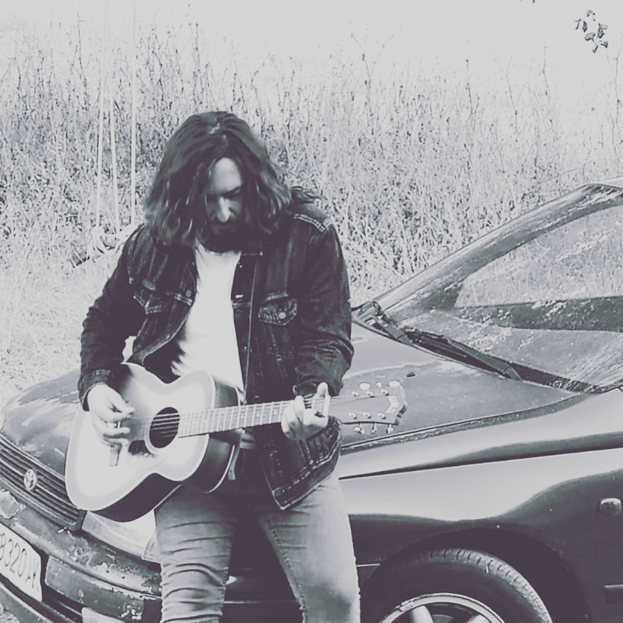 Juan Valera presentó el pasado 11 de septiembre 'Re Rack', el primer sencillo de su nuevo EP Distancias, terminado durante la pandemia.