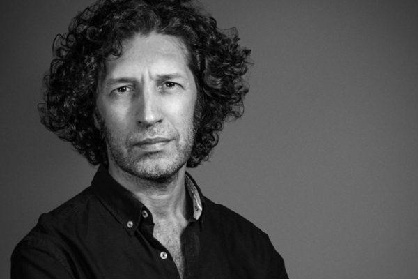"""Javier Menéndez Flores: """"He querido reflejar en la novela que en la vida real hay gente mala y buena"""""""