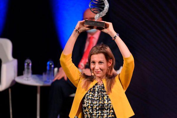 Eva García Sáenz de Urturi recibe el Premio Planeta