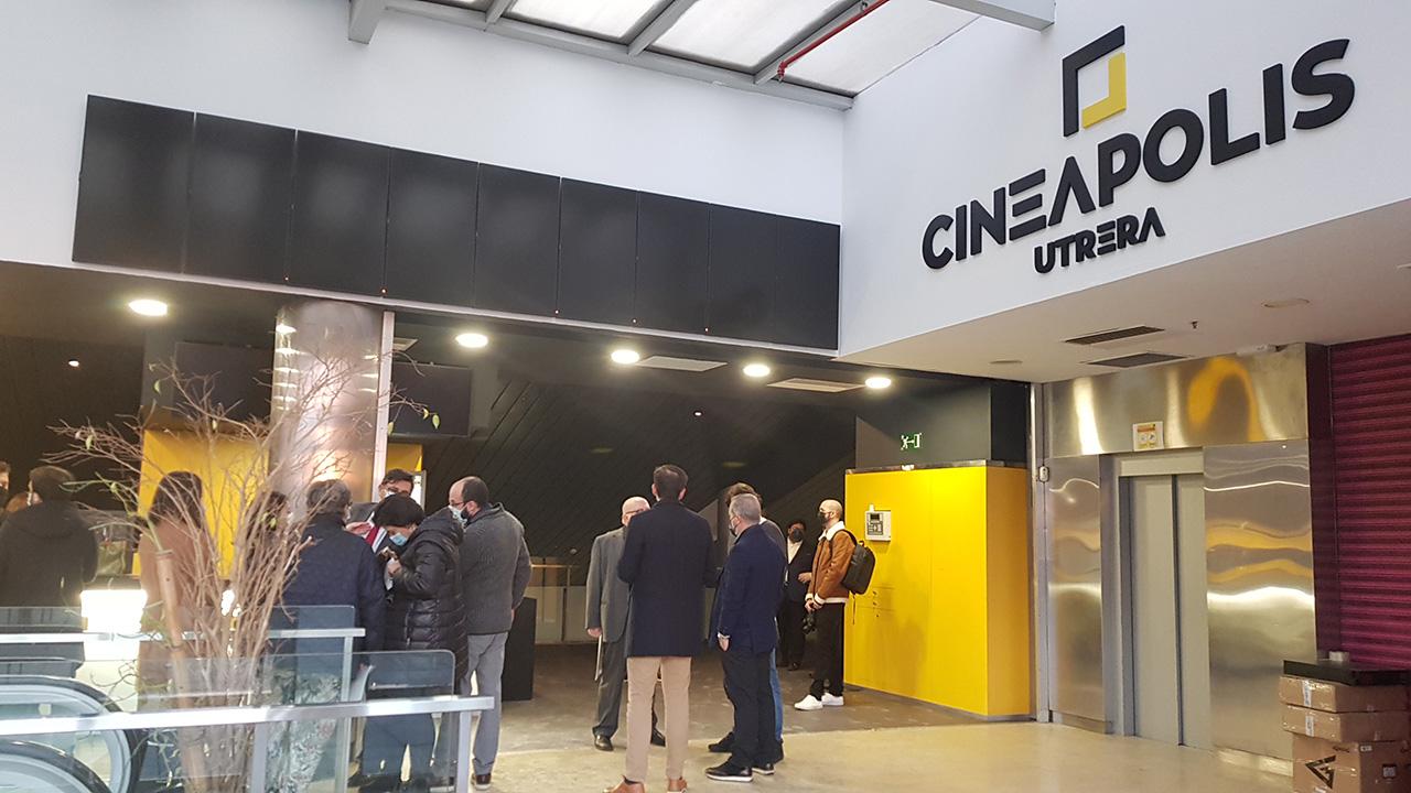 El ayuntamiento de Utrera y Cineápolis recuperan sus salas de cine