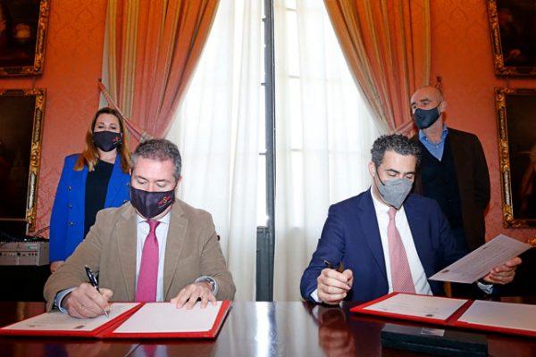 El Ayuntamiento y la Real Orquesta Sinfónica de Sevilla firman un convenio para la difusión de proyectos educativos