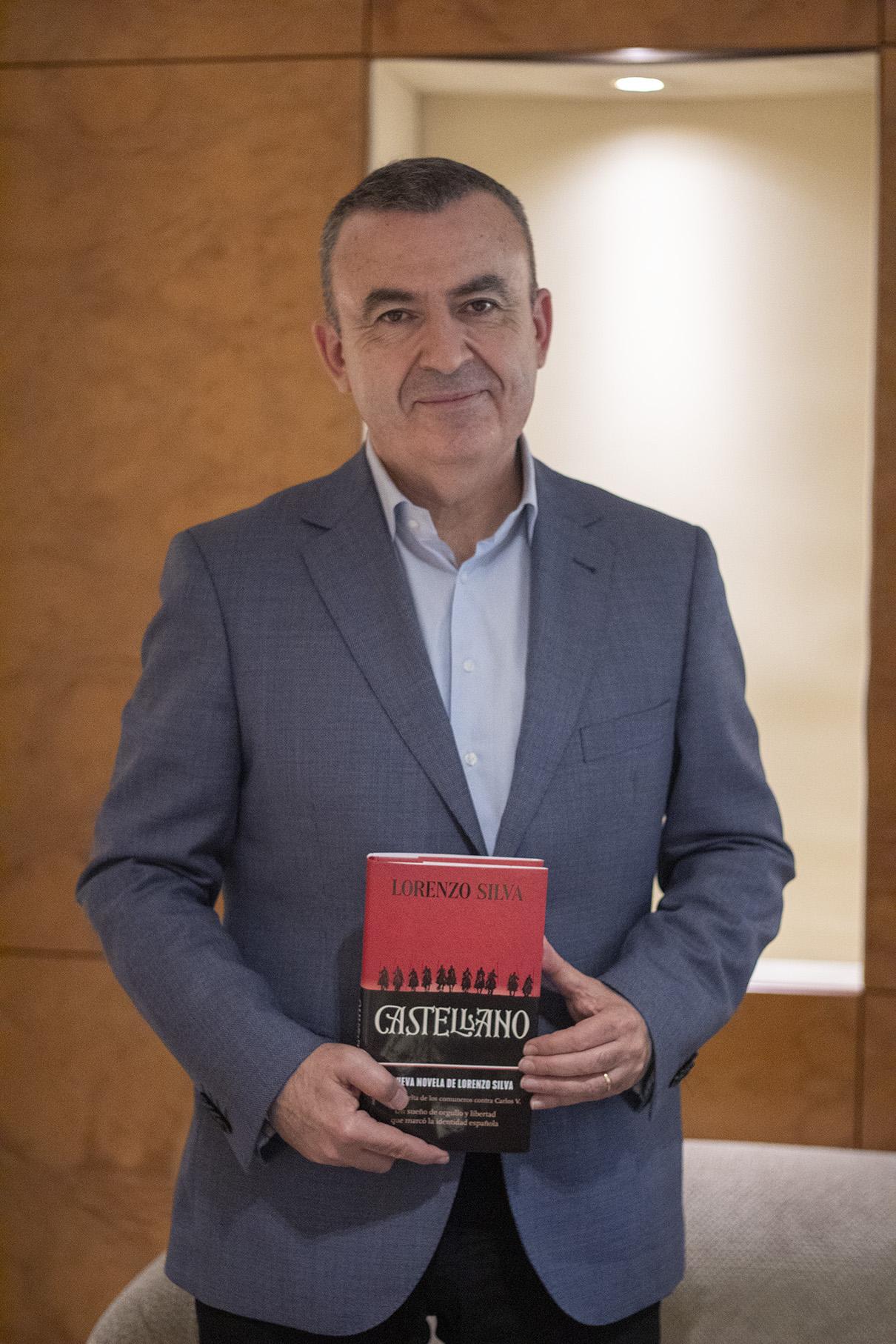 """Lorenzo Silva: """"La identidad se ha convertido en un asunto de la colectividad gestionado al margen del individuo"""""""