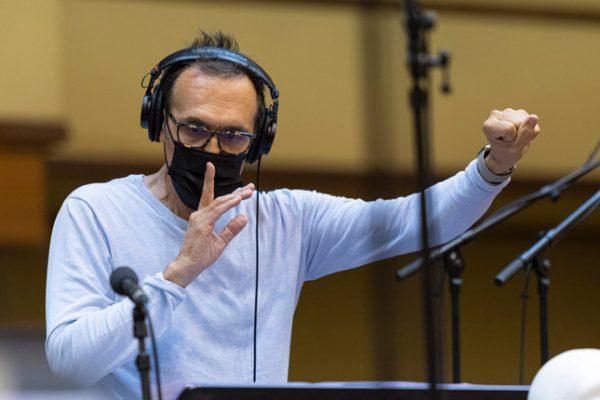Alberto Iglesias graba la banda sonora de Maixabel junto a la Euskadiko Orkestra