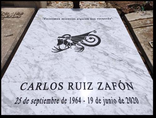 La ruta cultural de Montjuïc acoge la sepultura de Carlos Ruiz Zafón