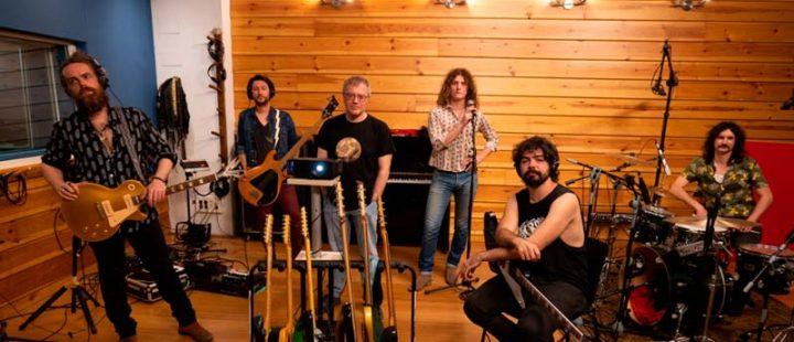 Derby Motoreta's Burrito Kachimba pone música a Las leyes de la frontera