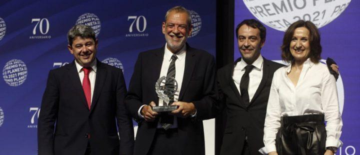 Carmen Mola gana el premio Planeta 2021 y Paloma Sánchez-Garnica, finalista