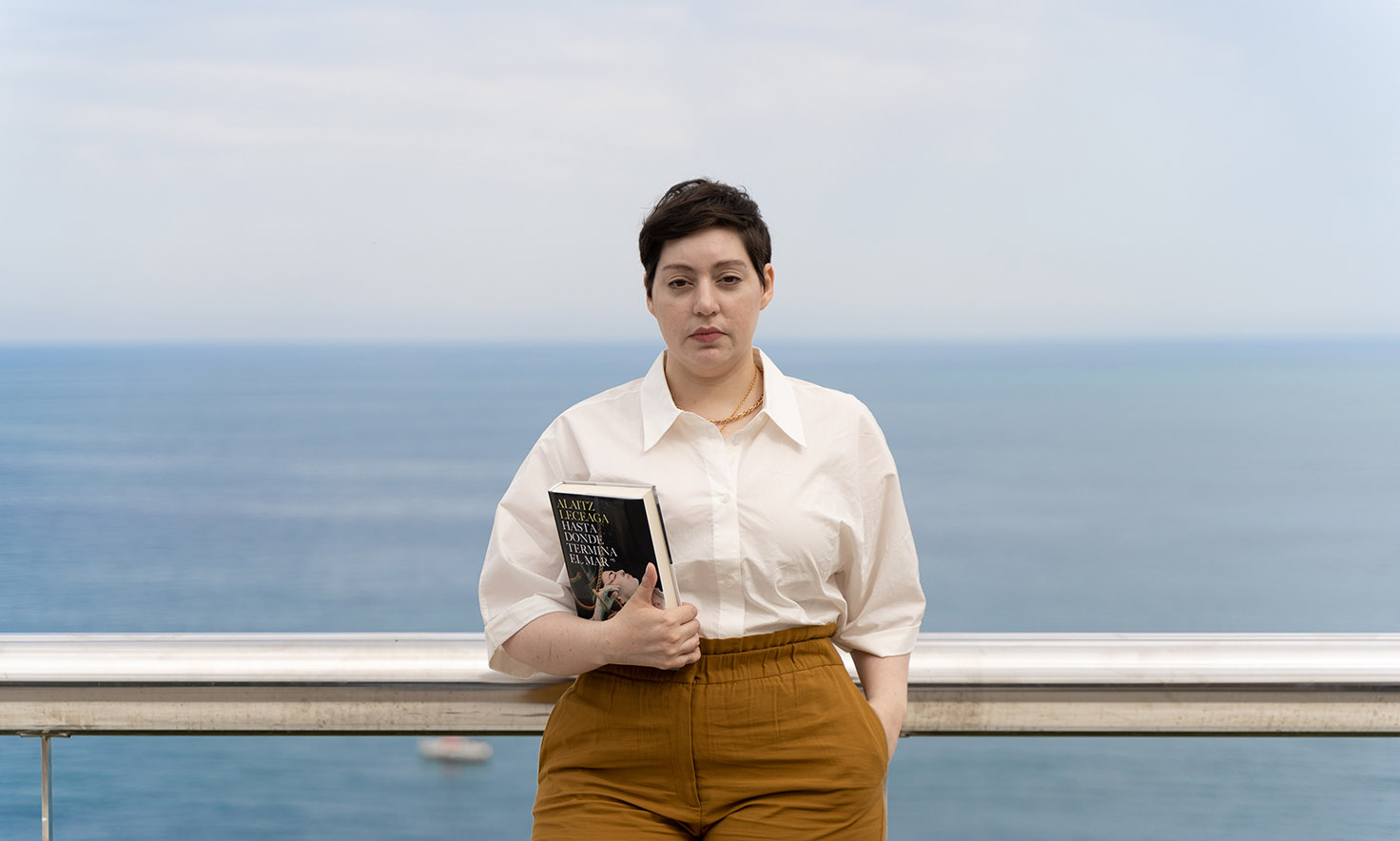 Alaitz Leceaga presenta en Ea Hasta donde termina el mar, Premio de Novela Fernando Lara