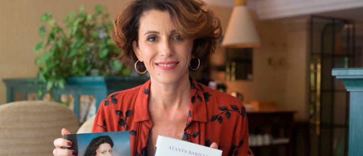 """Ayanta Barilli: """"Una mujer y dos gatos es la crónica de una mujer que soy yo que se encuentra en una pandemia personal y en una mundial"""""""